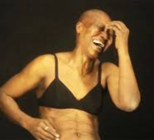 Vidéo : 75 ans, sénégalaise, danseuse…