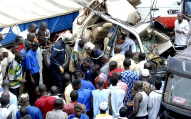 Un élève tué dans un accident à Faoune : les populations barrent la nationale