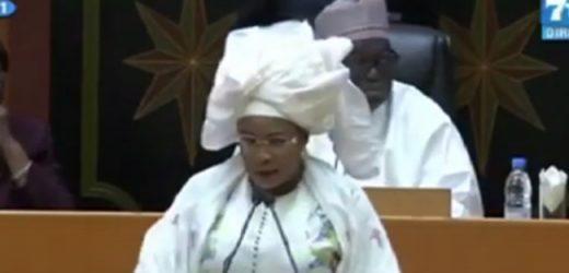 """Mame Diarra FAM au député Pape Sagna MBAYE: """"Il ne faut pas confondre l'assemblée nationale à Sorano"""""""