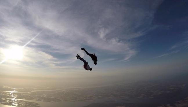 Vidéo : Parachute au Sénégal, la saison démarre