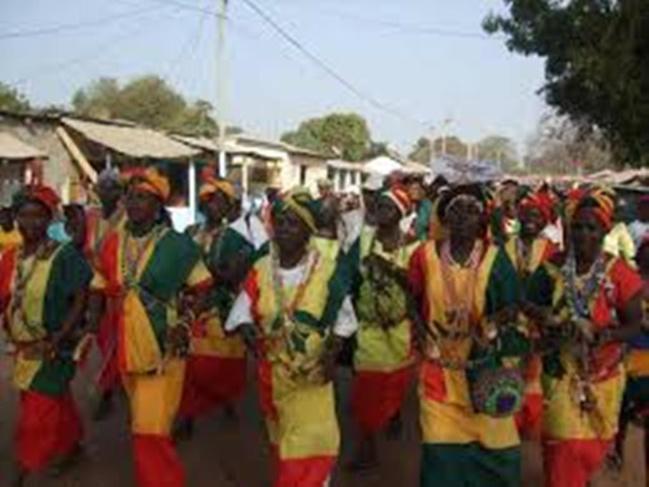 Vidéo : Sénégal, DAKAR ACCUEILLE SON 1ER CARNAVAL