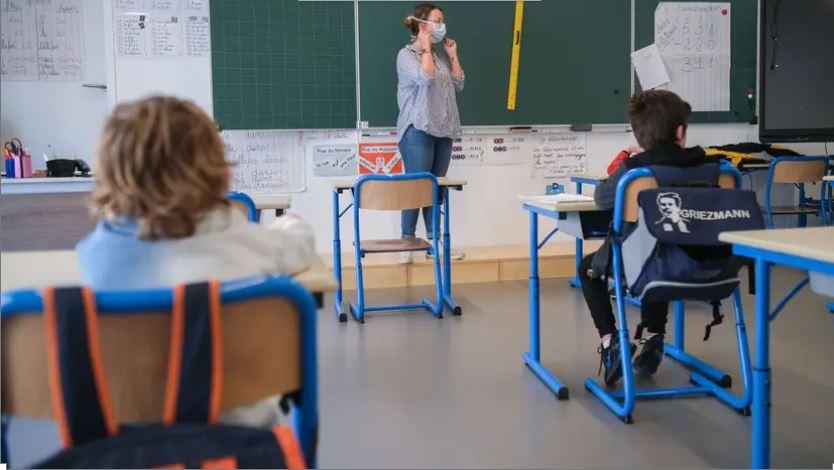 Déconfinement en Dordogne: Une employée positive au coronavirus retarde la réouverture d'une école