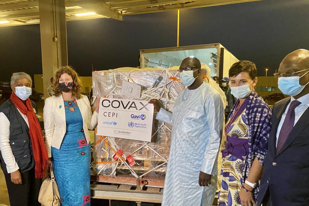 En attendant les 324 000 doses «Covax», le lot de seringues est déjà à Dakar